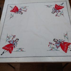Vintage Tablecloth, Square Embroidery, Applique